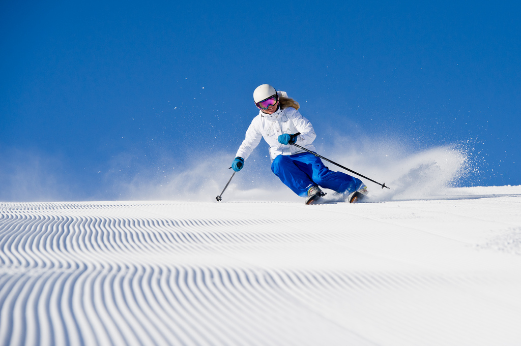 Woman skier 5591528187 8e49da5a0a b