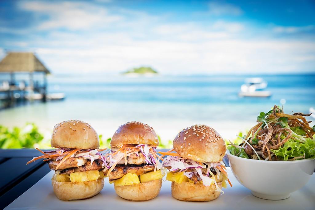 Malolo beach bar food129