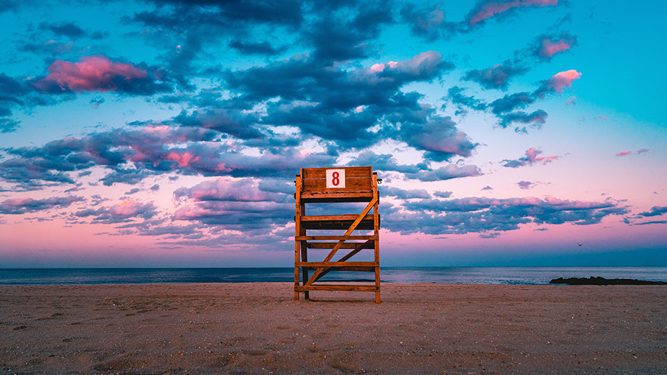 Uturn beach day calendar
