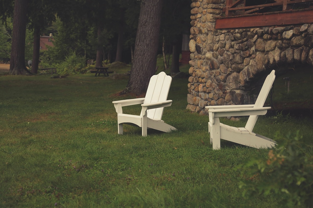 Lawn chairs 691561 1280