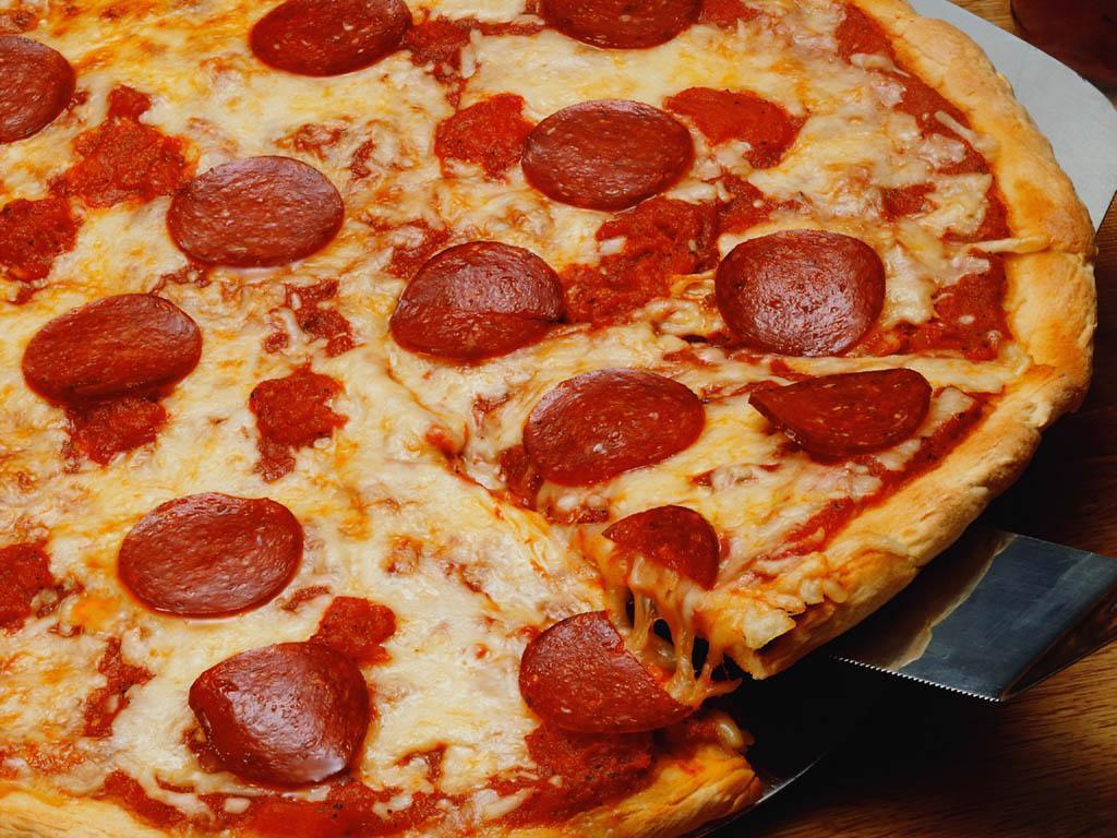 Pizza wallpaper pizza 6333801 1024 768